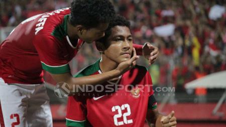 Selebrasi Muhammad Fajar Faturahman setelah mencetak gol pertama ke gawang Thailand di final Piala AFF U-16. - INDOSPORT