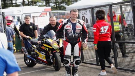 Fabrice Miguet yang mengalami kecelakaan parah di GP Ulster. - INDOSPORT