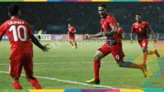 Indosport - Beto dan Stefano Lilipaly lakukan selebrasi di laga perdana Asian Games 2018.