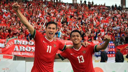 Febri Hariyadi dan Gavin Kwan Adsit saat memperkuat Timnas Indonesia - INDOSPORT