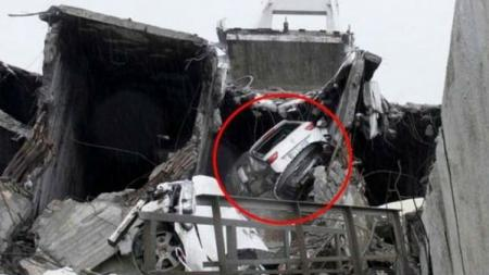 Mobil Davide Capello yang selamat dari maut. - INDOSPORT