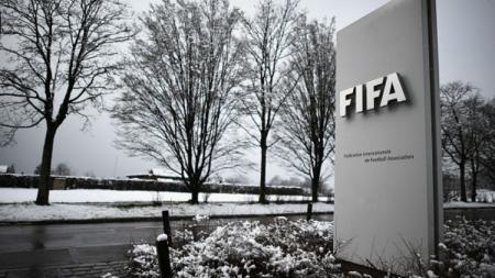 Nama FIFA kembali tercoreng setelah skandal suap para petingginya dibongkar di pengadilan. - INDOSPORT