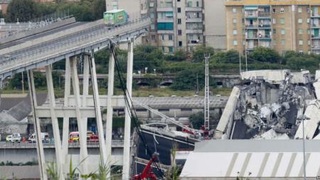 Kondisi Jembatan di Genoa yang runtuh. - INDOSPORT