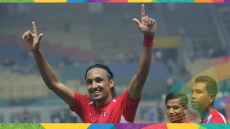 Rohit Chand memberikan slam sejete ke arah Jakmania saat laga timnas Nepal. - INDOSPORT