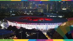Indosport - Stadion Utama Gelora Bung Karno tampak atas di malam hari, yang akan jadi venue pembukaan Asian Games 2018.