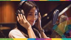 Indosport - Aseel Omran, Penyanyi cover Meraih Bintang asal Arab Saudi.