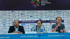 Indosport - Konfrensi pers pelatih Korea Selatan, Kim Hag Bum, usai laga melawan Malaysia, Jumat (17/07/18).