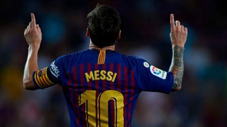 Lionel Messi mencetak hattrick saat laga Real Betis vs Barcelona, Minggu (17/03/19). - INDOSPORT