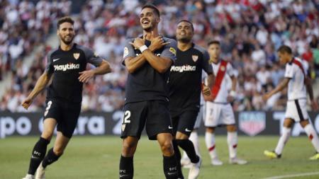 Andre Silva cetak hattrick di perkan perdana La Liga bersama Sevilla. - INDOSPORT