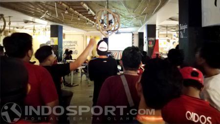United Indonesia saat nonton bareng Brighton vs MU - INDOSPORT