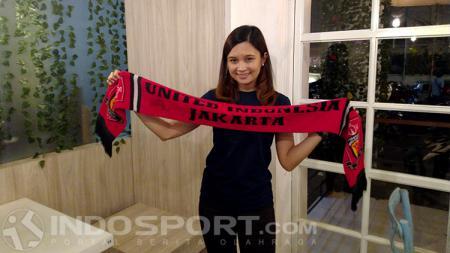 Olla Carla, Fans Cantik MU asal Indonesia - INDOSPORT