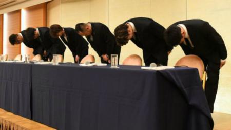 Atlet Basket Jepang yang terlibat Prostistusi memohon maaf di Tokyo, Senin (20/08/18). - INDOSPORT