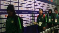 Indosport - Ekspresi muram Timnas Indonesia usai dibantai Korea 12-0