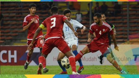 Para pemain UEA ssat menghadapi Malaysia di laga uji coba. - INDOSPORT