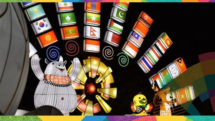 Ancol menyajikan festival lampion untuk menyambut Asian Games 2018. Copyright: INDOSPORT