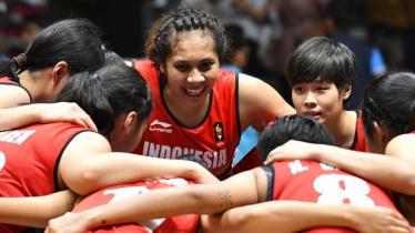 Bermain di GOR Kertajaya, Surabaya, Timnas Basket Putri Indonesia melangsungkan pertandingan pertama dari empat rangkaian uji coba melawan Taiwan Power. - INDOSPORT