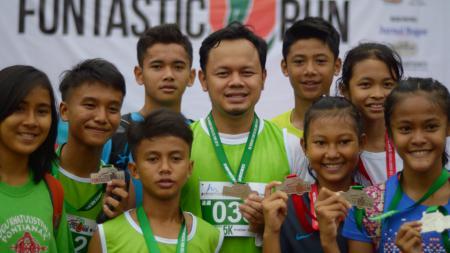Positif tertular virus Corona, Wali Kota Bogor, Bima Arya, punya misi membangun venue Piala Dunia U-20 2021 di Kota Hujan. - INDOSPORT
