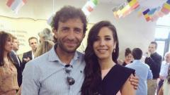 Indosport - Luis Milla bersama Putrinya Paula Milla