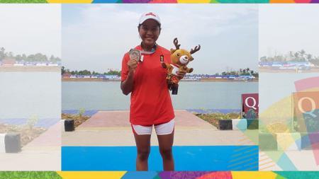 Ramla, gadis yatim piatu yang menyumbang medali perak untuk Indonesia. - INDOSPORT