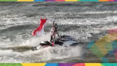 Indosport - Aqsa Sutan Aswar meraih emas untuk Indonesia dari cabor jetski.