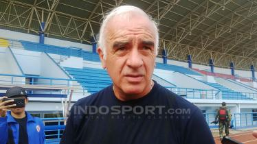 Pelatih Persib, Mario Gomez di Stadion Sport Jabar Arcamanik Kota Bandung, Senin (27/08/2018.