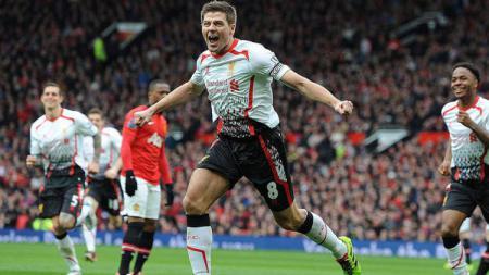 Gara-gara tekel horor, legenda Liverpool Steven Gerrard pernah hampir kehilangan bagian paling vital kesayangannya. - INDOSPORT