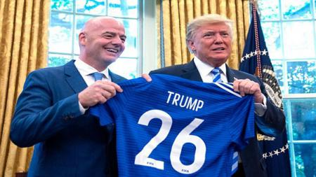 Presiden FIFA Gianni Infantino  bertemu dengan Presiden Amerika, Donald Trump - INDOSPORT