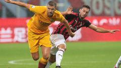 Indosport - Rekap bursa transfer terkini per Minggu (15/12/19) memperlihatkan kabar tukar guling AS Roma-AC Milan, hingga gelandang Lazio yang bakal merapat ke Inter Milan.