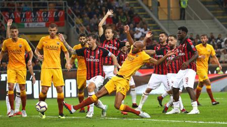 AS Roma membatalkan jadwal pra musim mereka karena menunggu keputusan AC Milan yang akan mundur dari Liga Europa 2019/20 - INDOSPORT