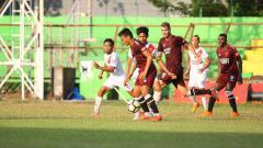 Indosport - Skuat PSM Makassar sedang melakukan latihan rutin di Stadion Andi Mattalatta Mattoanging.