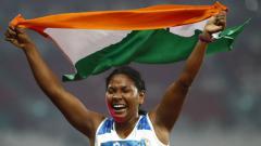 Indosport - Atlet India Swapna Barman yang memiliki 12 jari.