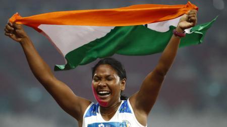 Atlet India Swapna Barman yang memiliki 12 jari. - INDOSPORT