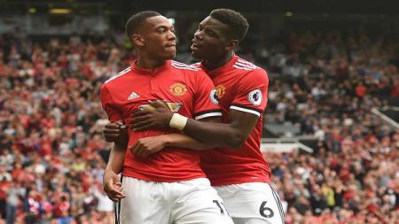 Tak hanya ada di Manchester United saja, duet Pogba dan Martial juga tercipta di tim Ligue 2 Prancis, Sochaux. - INDOSPORT