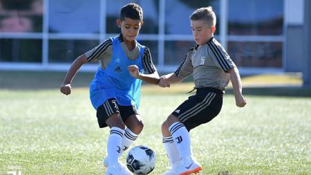 Anak dari Cristiano Ronaldo. - INDOSPORT