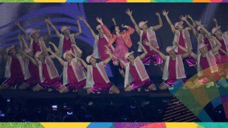Kemeriahan acara penutupan Asian Games 2018 saat Bunga Citra Lestari tampil. - INDOSPORT
