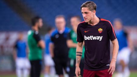Raksasa Serie A Italia, Juventus, kabarnya punya rencana untuk mendapatkan eks gelandang Inter Milan yang saat ini memperkuat AS Roma, Nicolo Zaniolo. - INDOSPORT