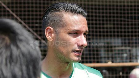 Raphael Maitimo, mantan pemain Persib Bandung. - INDOSPORT