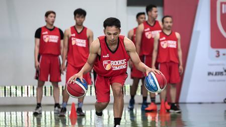 Sebanyak 26 pebasket muda Indonesia menunjukkan talentanya pada IBL Rookie Combine di Jakarta, Selasa (04/09/18). - INDOSPORT