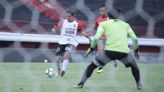 Indosport - Irfan Bachdim kembali latihan usai pulih dari cedera.