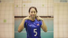 Indosport - Atlet voli putri Indonesia, Berllian Marsheilla, berjoget TikTok dengan pasangannya.