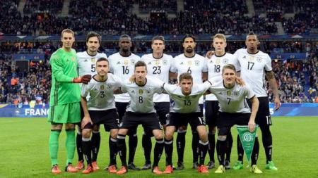 Hancur lebur 0-6 lawan Spanyol di UEFA Nations League, Mesut Ozil bongkar borok Timnas Jerman. - INDOSPORT