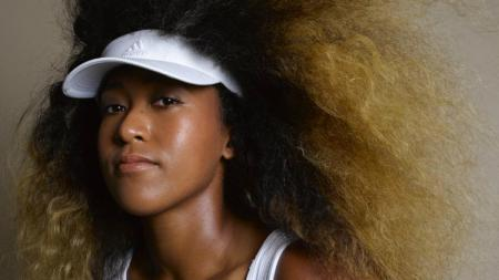 Naomi Osaka memilih rambut palsu sebagai metode menyamarnya ketika keluar rumah. - INDOSPORT