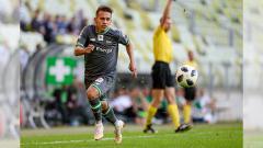Indosport - Egy Maulana memulai debut bersama skuat utama Lechia Gdansk