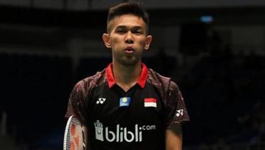 Bertemu Sang Idola, Fajar Alfian Langsung Pamer Jersey Persib Bandung