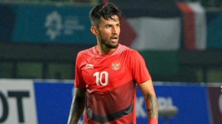Stefano Lilipaly berseragam Timnas Indonesia. - INDOSPORT