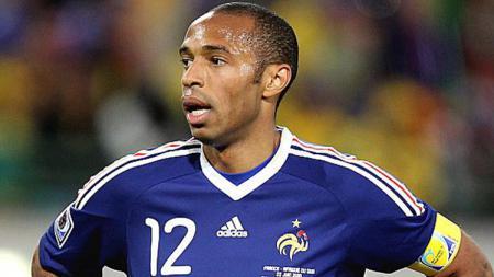 Thierry Henry punya pengalaman pahit saat berkunjung ke kampung halaman Son Heung-min untuk gelaran Piala Dunia 2002. - INDOSPORT