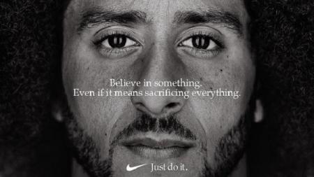 Colin Kaepernick berkolaborasi dengan Nike dalam kampanye 30 tahun - INDOSPORT
