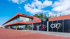 Indosport - Hotel milik Cristiano Ronaldo baru saja meraih penghargaan setelah sebelumnya sempat dikabarkan akan mengalami kebangkrutan.
