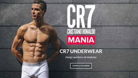 Cristiano Ronaldo saat merilis celana dalam dengan merk namanya sendiri. - INDOSPORT