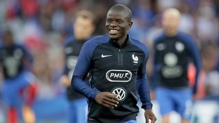 Real Madrid dan Paris Saint-Germain berkesempatan memboyong N'Golo Kante dari Chelsea dengan 1 syarat khusus - INDOSPORT